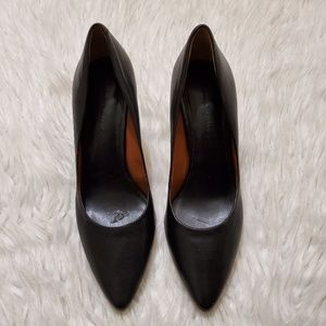 Banana Republic Black Pointed Pumps Career Shoes